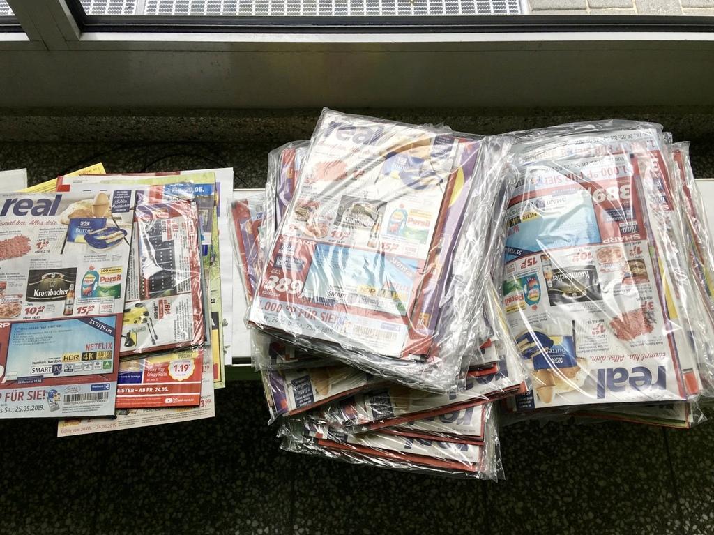 Werbesendungen Müll Plastik Papier