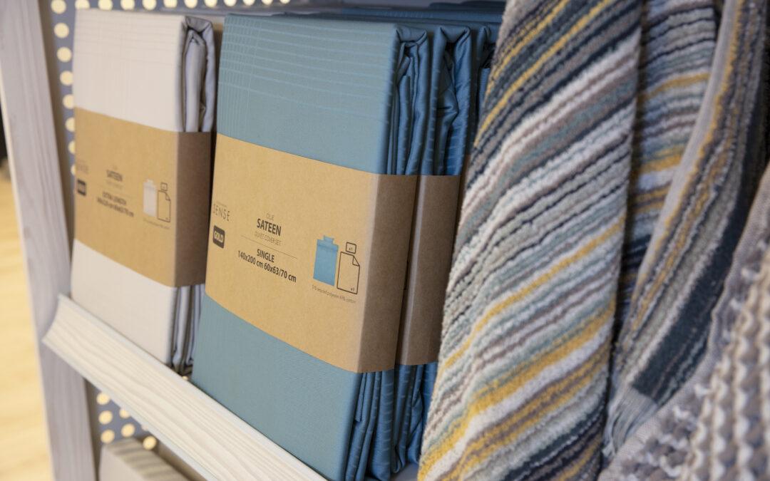 DÄNISCHES BETTENLAGER (JYSK) ersetzt Plastikfolien durch Papier
